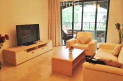 City castle with terrace for rent in Jingan