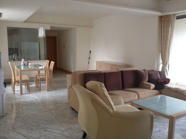 4bedrooms apartment in Jingan Four Seasons, Metro Line 2