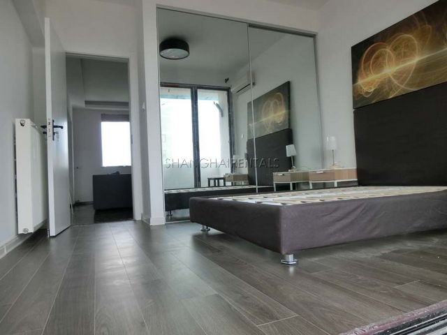 2 br apartment for rent on Changshu road