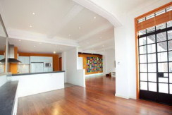 modern apartment in art deco building near suzhou creek bund area for rent (5)