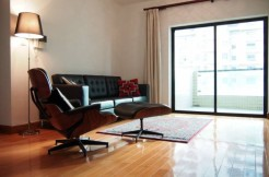 Apartment in Ambassy court on Huaihai road for rent