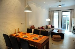3 floor middle Huaihai road apartment for rent