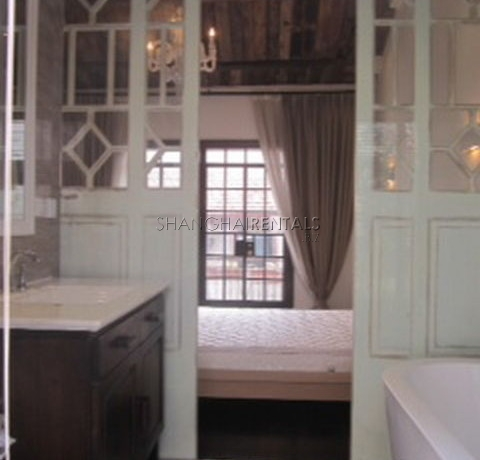 Apartments in Gubei for rent in Shanghai 2