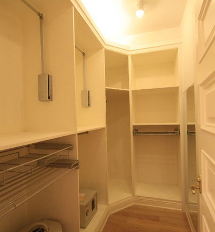 Chavelier place for rent in french concession 12
