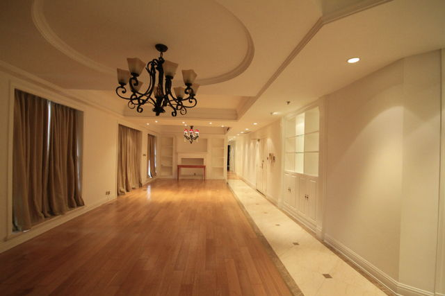 Chavelier place for rent in french concession 6
