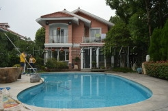 Forest Riviera with swimming pool in Qingpu