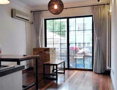 Lane house with Balcony for rent on Hengshan road