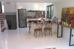 lane house with terrace in former french concession for rent apartment in shanghai for rent (16)