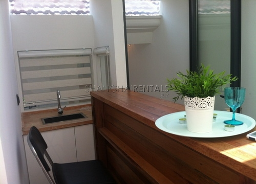 lane house with terrace in former french concession for rent apartment in shanghai for rent (23)