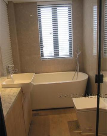penthouse in gubei for rent floor heating with nice view, expat housing, apartment for rent in Shanghai (11)