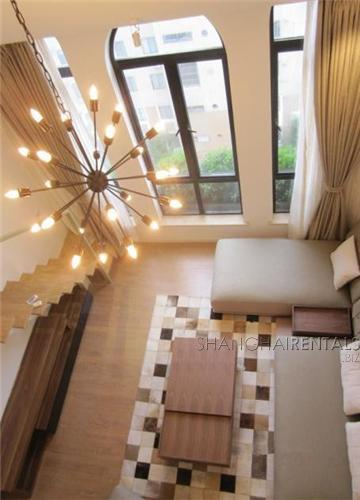 Beautiful penthouse in Gubei with floor heating