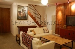 3Bedrooms Lane House for Rent