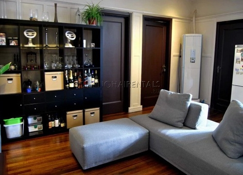modernized lane house apartment in french concession for rent (2)