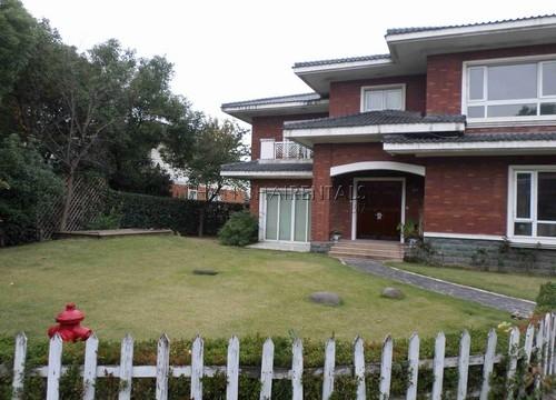 Xijiao Huacheng Villa in Qingpu For Rent