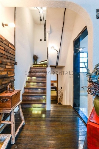 5Br Lane House with Terrace for Rent in FFC