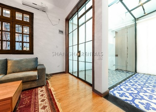 Rent an old style apartment in French Concession in Shanghai (3)