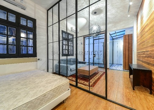 Rent an old style apartment in French Concession in Shanghai (6)