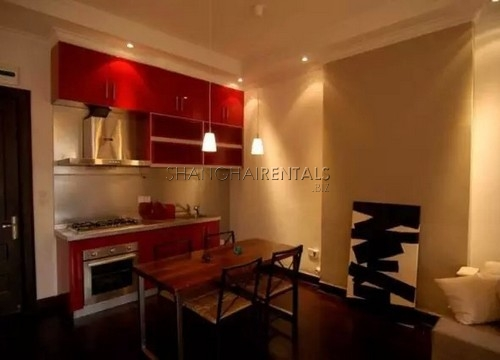 An Old Apartment with Balcony In French Concession For Rent
