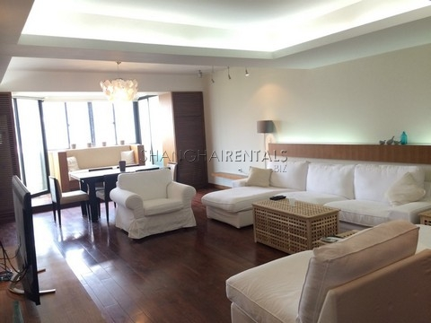 3 Bedrooms apartment at
