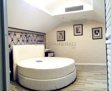 lane house apartment at west nanjing rd for rent in nanjing rd of Shanghai1