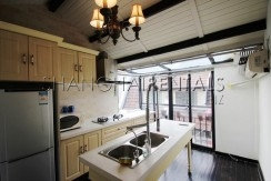 lane house at south chongqing rd for rent in xintiandi area of Shanghai4