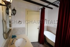 lane house at south chongqing rd for rent in xintiandi area of Shanghai6