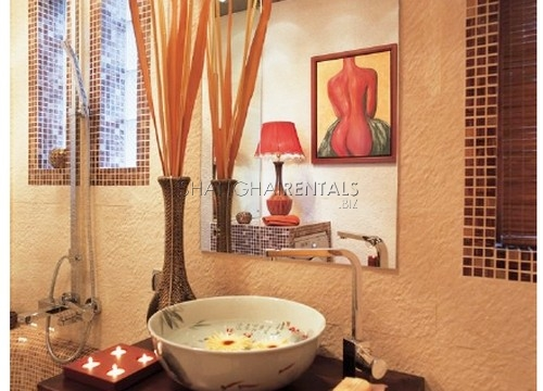 Rent for a lane house in French Concession in Shanghai  (3)
