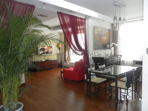4 Bedrooms Highrise at Uptown