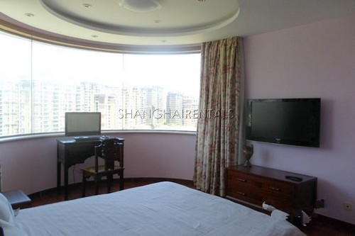 high rise apartment at  uptwon of Gubei area of shanghai for  rent6