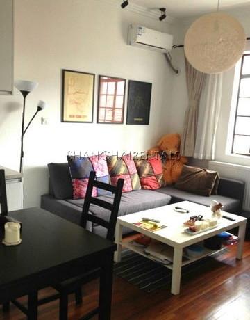 2-bedroom-apartment-in-jingan-in-shanghai-for-rent6