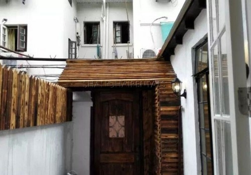 2-bedroom-lanehouse-in-former-french-concession-in-shanghai-for-rent3
