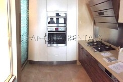 3-bedroom-apartment-in-8-park-avenue-in-jingan-area-in-shanghai-for-rent4