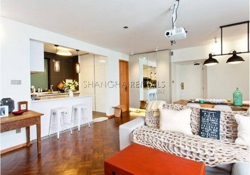 3-bedroom-apartment-in-high-rise-building-in-downtown-in-shanghai-for-rent7