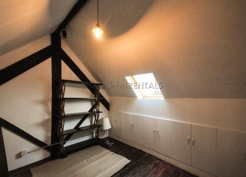 3-bedroom-apartment-in-jingan-in-shanghai-for-rent6