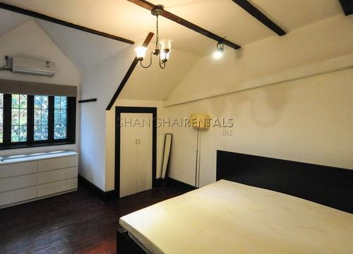 3-bedroom-apartment-in-jingan-in-shanghai-for-rent7