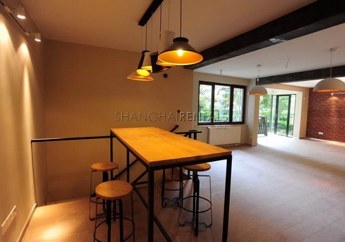 3 Br Apt in Jingan For Rent