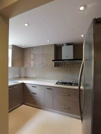 3-bedroom-lane-house-in-jingan-in-shanghai-for-rent3
