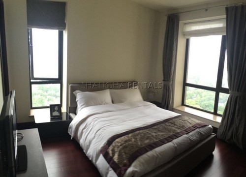 4-bedroom-apartment-in-chateau-pinnacle-in-changning-in-shanghai-for-rent5