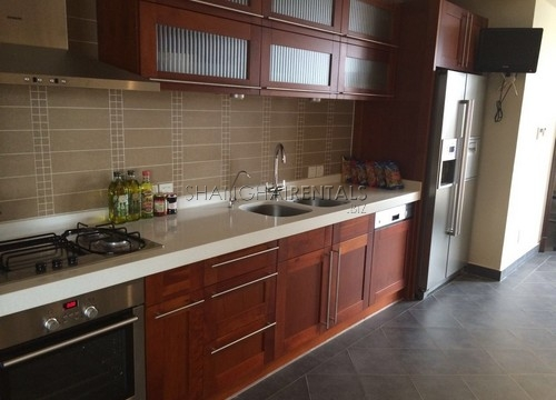 4-bedroom-apartment-in-chateau-pinnacle-in-changning-in-shanghai-for-rent6