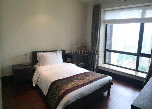4-bedroom-apartment-in-chateau-pinnacle-in-changning-in-shanghai-for-rent9