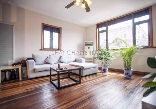 1-bedroom-duplex-in-former-french-concession-in-shanghai-for-rent3