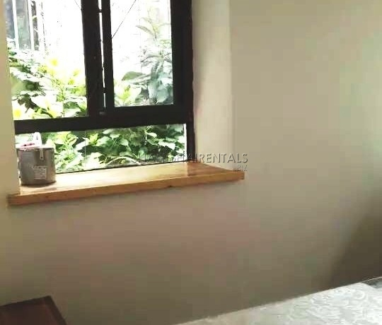 1-bedroom-lanehouse-in-former-french-concession-in-shanghai-for-rent2