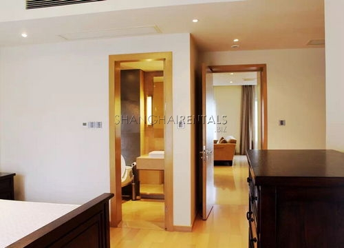 2-bedroom-apartment-at-sinan-mansion-in-former-french-concession-in-shanghai-for-rent3