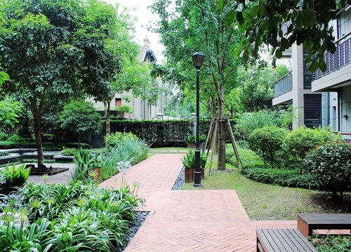 2-bedroom-apartment-at-sinan-mansion-in-former-french-concession-in-shanghai-for-rent5