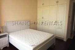 2-bedroom-apartment-in-Jing'an-in-shanghai-for-rent2