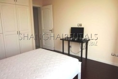 2-bedroom-apartment-in-Jing'an-in-shanghai-for-rent3
