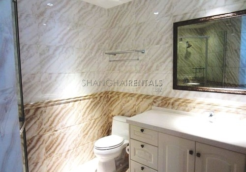 2-bedroom-apartment-in-Jing'an-in-shanghai-for-rent5