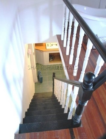 2-bedroom-apartment-in-downtown-in-shanghai-for-rent8