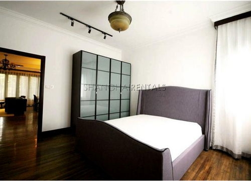 2-bedroom-apartment-in-former-french-concession-in-shanghai-for-rent10