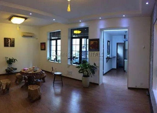 2-room commercial in the Former French Concession for Rent
